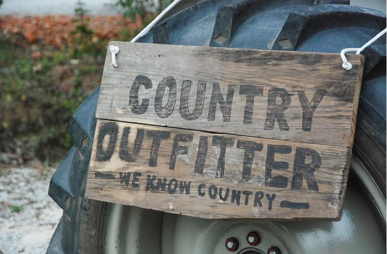 Merry Christmas, Mamasita: Country Outfitter $150 Boot Giveaway!